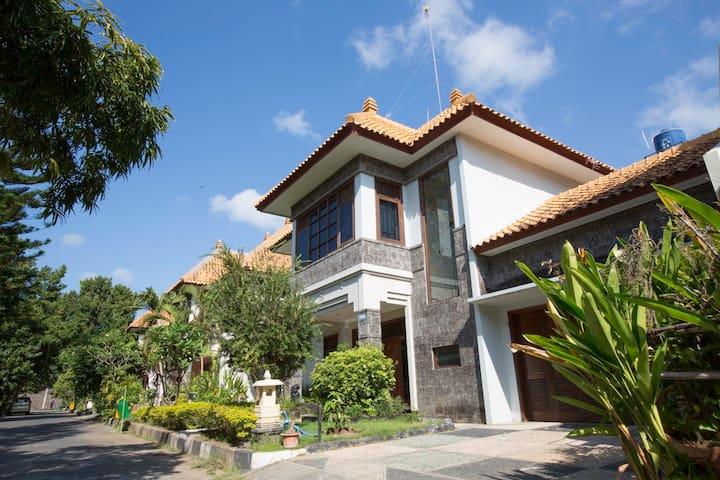 Comfortable 2 Storey Villa in Kuta