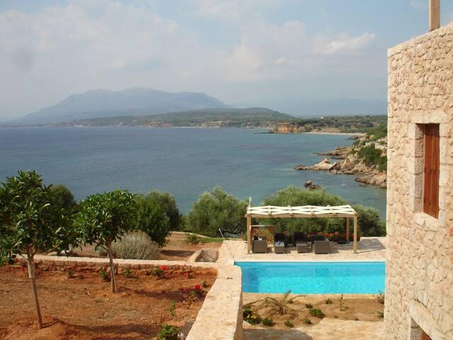 Seaside stone-built Apartment!
