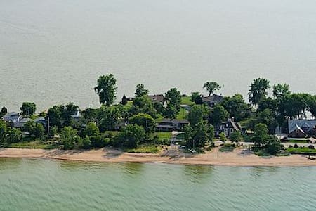 Bayfront Home Lake Erie Fall - Winter Getaways - Σπίτι