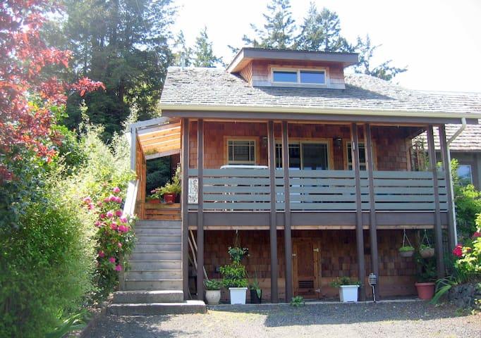 Bird Nest Cottage