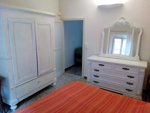 Bohemien location in the city center - Faenza - Appartement