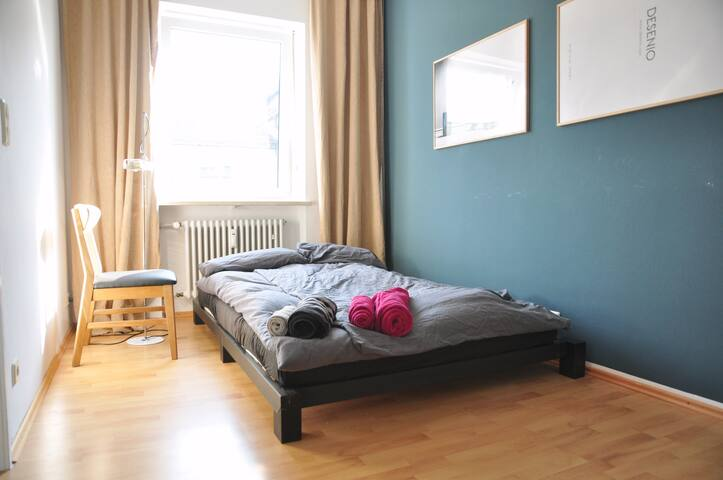 Charming Room in wonderful Lehel, very central! - München - Apartment