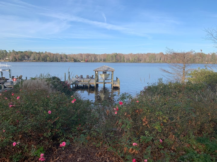 NEW! Waterfront Home w/Kayaks & Fire Pit