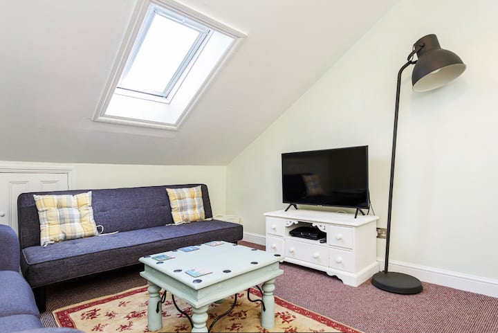 Cosy Seafront Apartment in Southsea