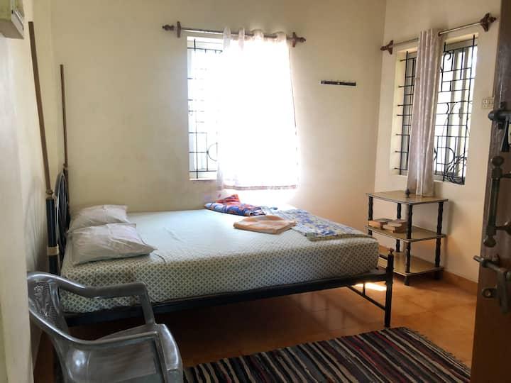 Patnem clean budget Guest house