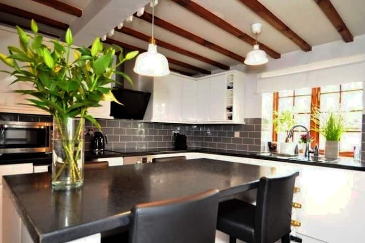 Cosy grade 2 listed Cottage in Dunchurch