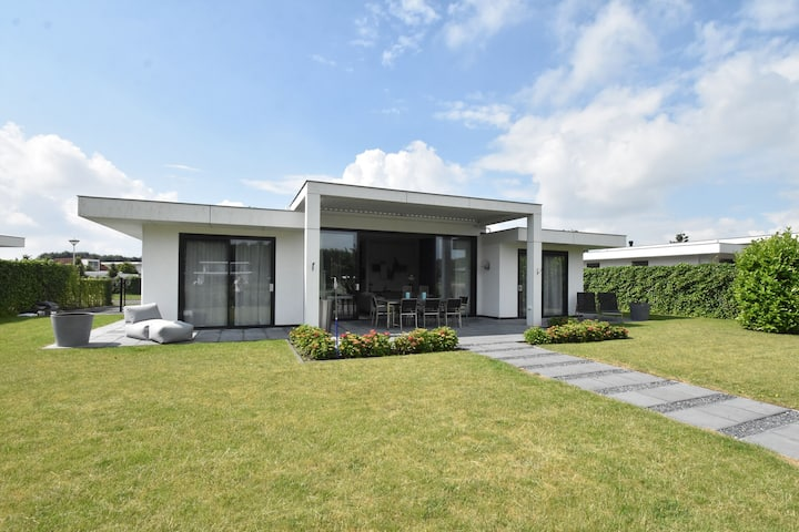 Pleasant Villa in Harderwijk with Fenced Garden and Jetty