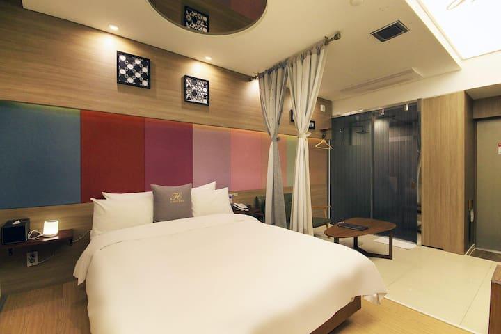 H 드라이브 호텔