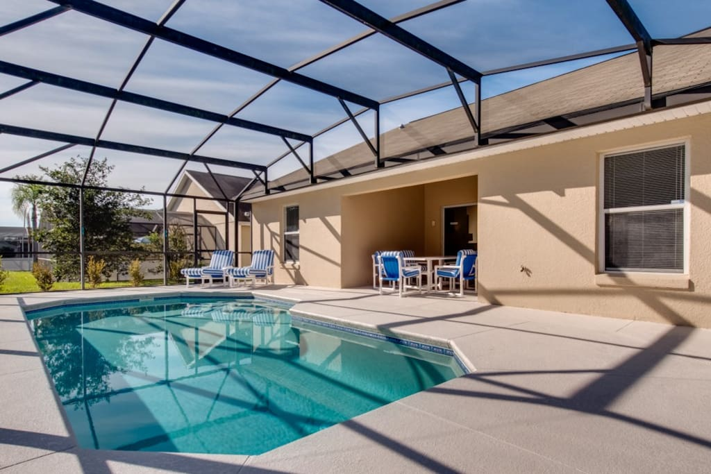 Private Pool with lanai - great for outside dining and seek shade from the sun