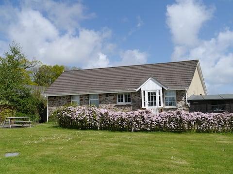 Leeside Cottage - idyllic rural hideaway