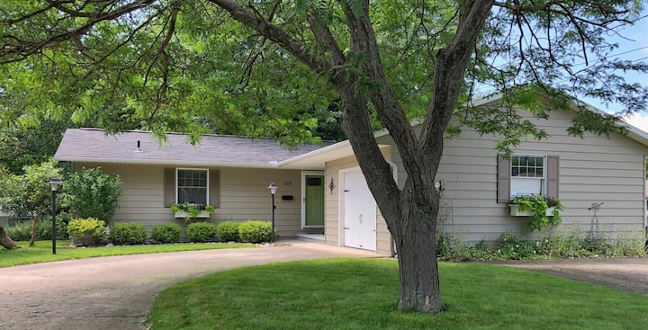 East Tawas Vacation Cottage