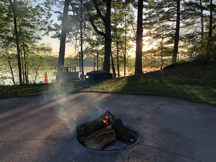 Sunny's Landing, Prairie Lake Home, Chetek Chain
