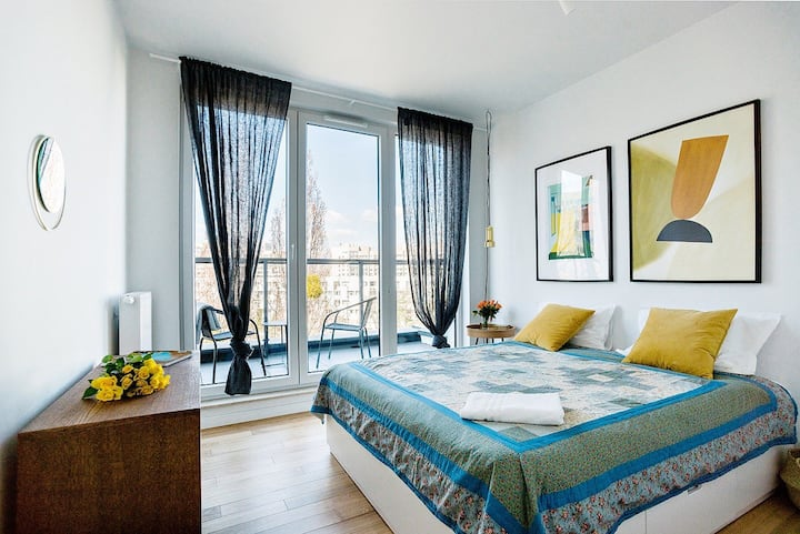 Apartment whit big balcony and private parking
