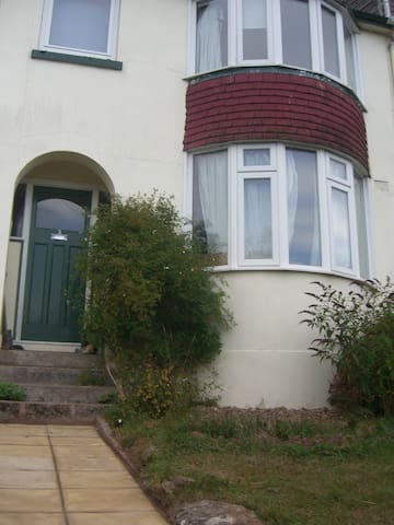 Whole house, 5 mins from town centre - Totnes - Byt