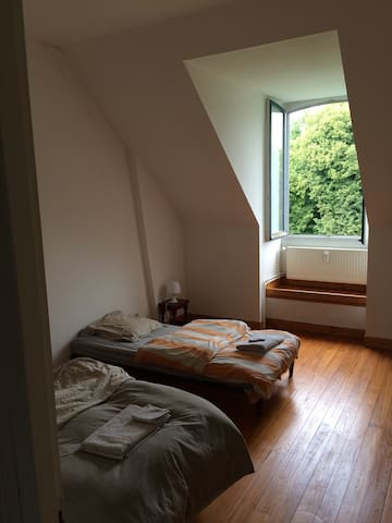 Chambre 2 entre Amiens et Abbeville - Crouy saint pierre - Appartement