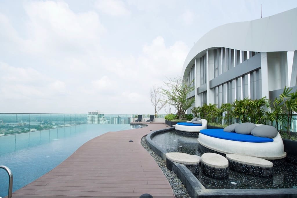 Rooftop swimming pool, you can sun bath all day as you please. Also see Bangkok & Chao Praya river in a panorama view.