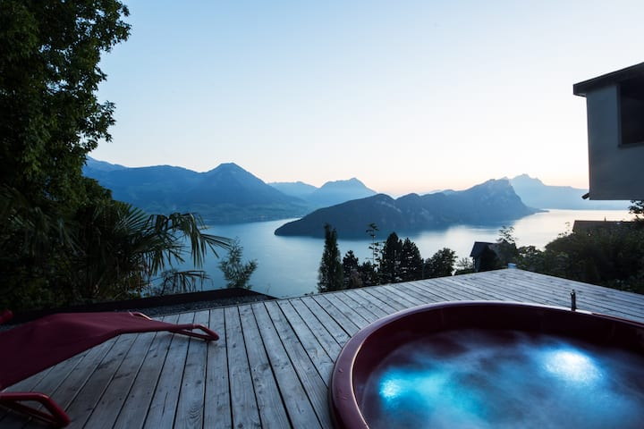 Villa with hot tub at Lake Lucerne