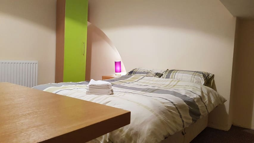 THE FOWLER SPACIOUS KING SIZE - Liverpool - Apartment