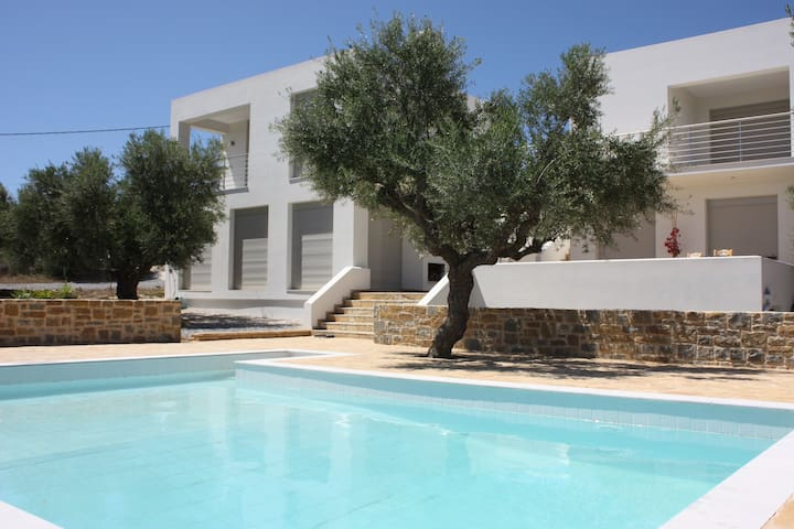 2 Comfortable 2 bed apartments with pool/sea-view - Kamaria - Appartement