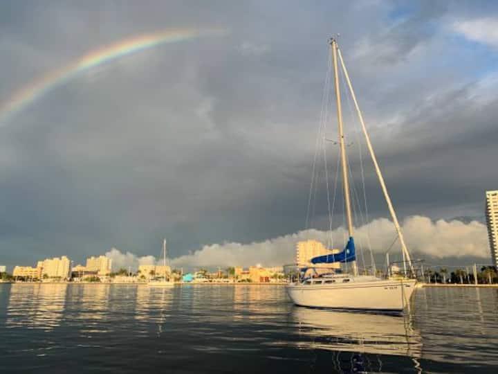 Sleeping or sailing in Gulfpurt/ Saint Petersburg