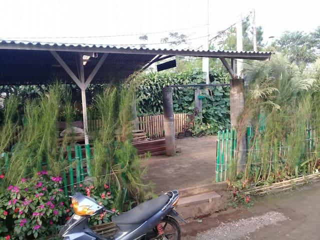#1DB Imah Nyumput GuestHouse - Maribaya