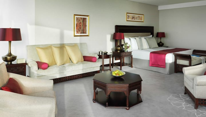 Luxurious Jr. Suite with Exclusive Beach and Pool