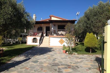 House with beautiful garden in Chalkidiki - Nea Poteidaia