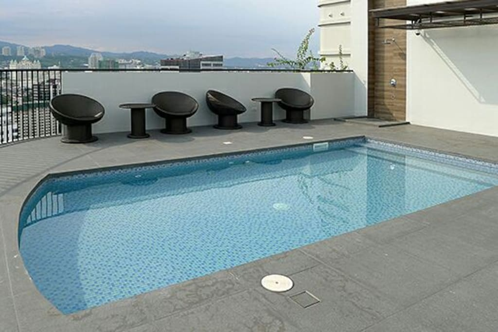 Kids pool available at roof top.