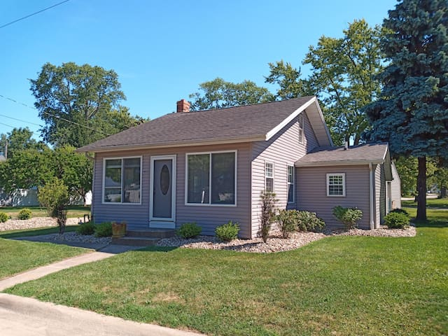 Lakeview 10-15 min from Cedar Point, Sports Force