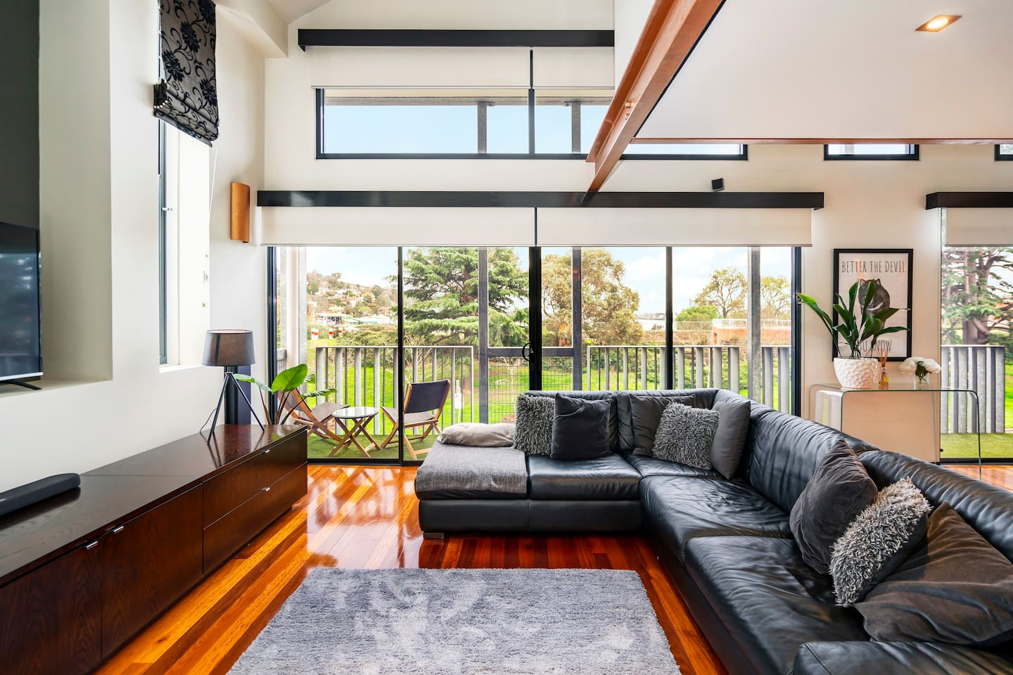 Room with a view - One Above Cataract living area