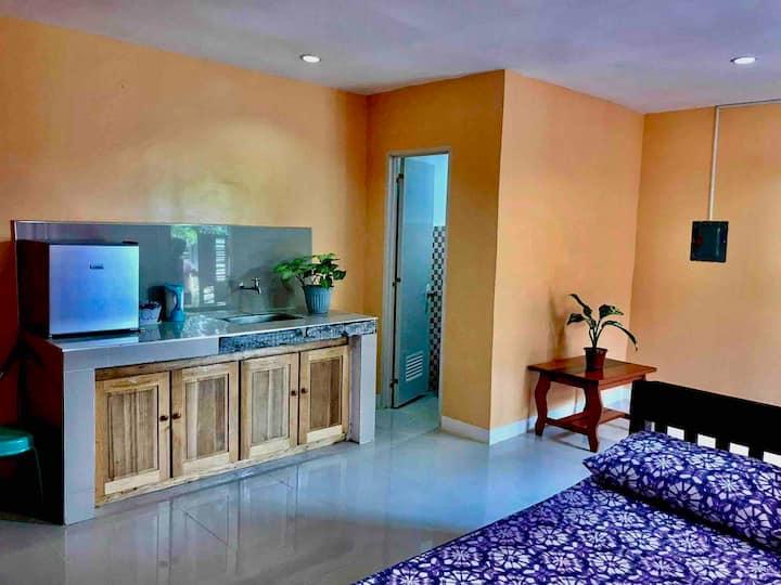 Rozay Travellers Inn   Kabankalan - Orange Room