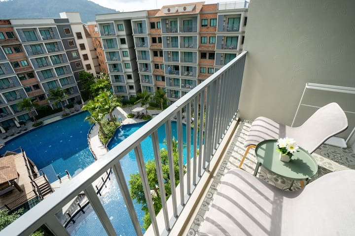 Pool View apartments 250m to beach