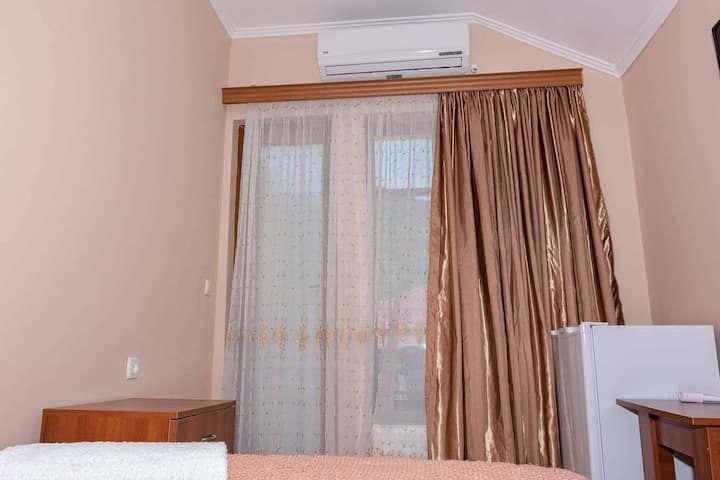 GuestHouse SHERA Room 1 For 2 Person