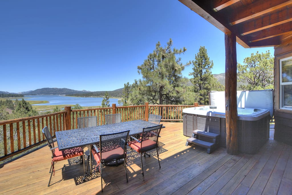 Large Deck with Full Lake View, BBQ, and Hotub