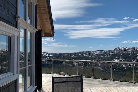 Ny hytte med panoramautsikt - Gautefall