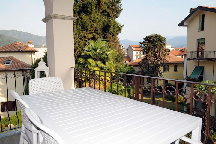 LovingStresa2 renovated flat in the town centre