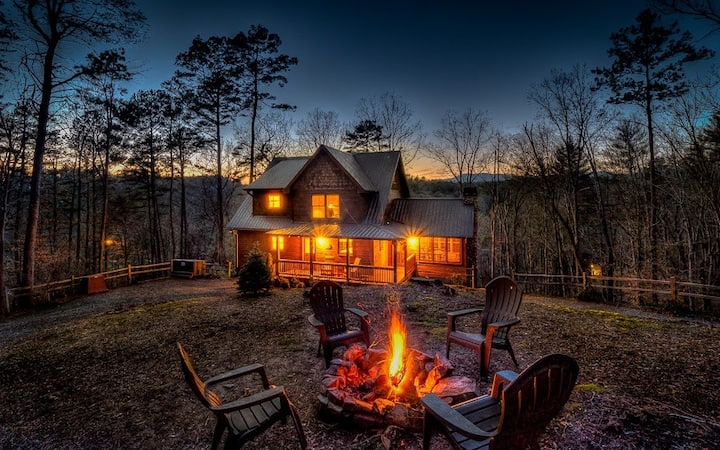 Breathtaking Mnt View on River! Sleeps 10! Hot Tub