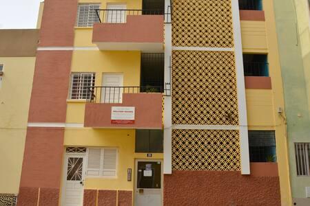 Hollyday Houses (spacious 3 bed. apt.) - 明德卢 (Mindelo)