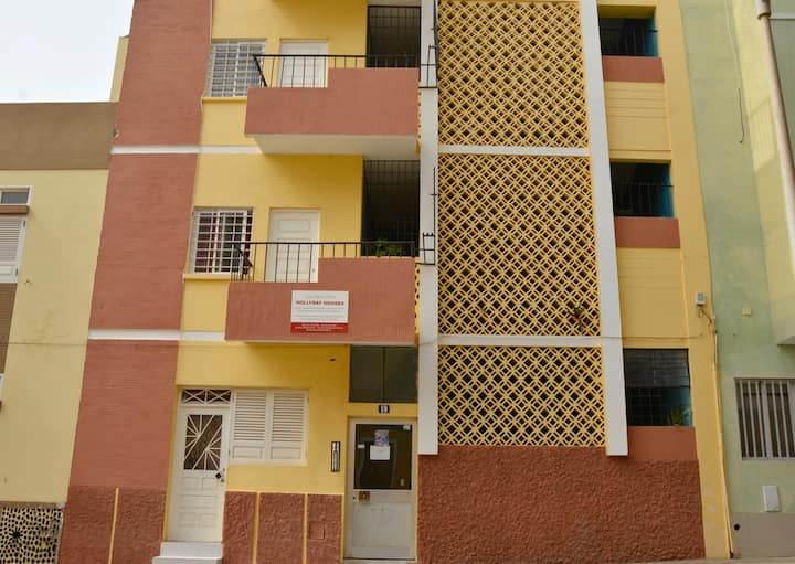 Hollyday Houses (spacious 3 bed. apt.)