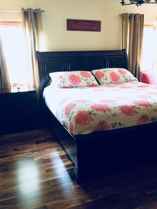 King size bed with pillow top mattress for a great night sleep.  Acacia Hardwood floors are throughout the house (no carpets for your allergy concerns.