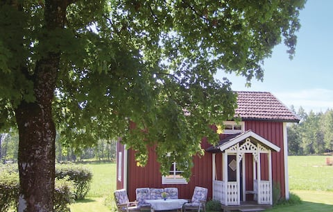 Holiday cottage with 2 bedrooms on 57m² in Hestra