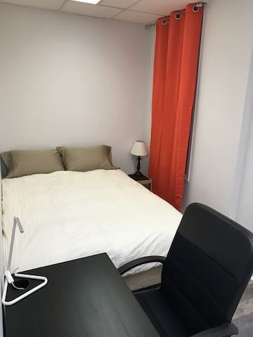 Pro Host, Incredible Value,Fully Renovated/Modern