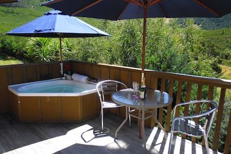 'Love' Hanmer Couples Retreat - Hanmer Springs
