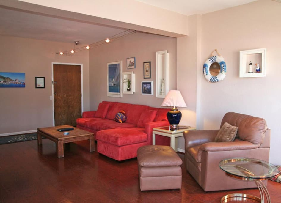 02-1409_Images_172_2-Bahia Vista C57_living room_0001