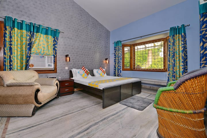 OYO - 2BHK Farm House in Manesar (Marked Down!)