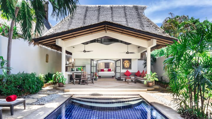 TROPICAL POOL BEACH VILLA I | Beach-Pool-Freedom