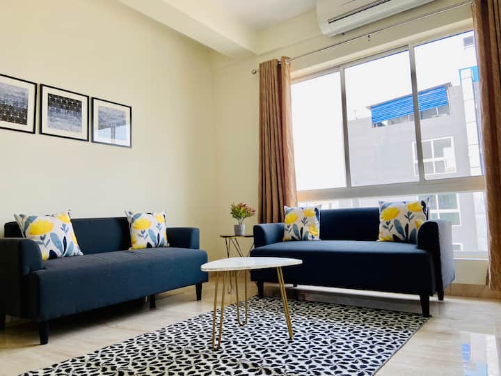 OLIVE Awesome Lake View Apartment @ New Town