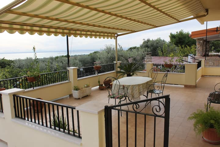 * Villa with a view  *