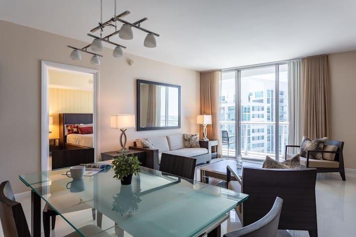 W-Hotel Brickell [38th floor]
