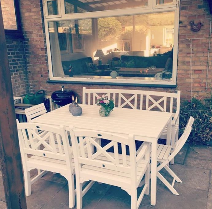 Nice terrace, suitable for dinner. Barbecue also available.
